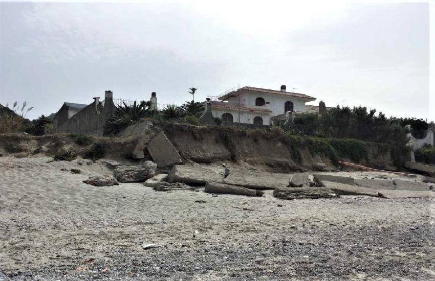 Dissesto idrogeologico, a Messina prime indagini contro l'erosione costiera