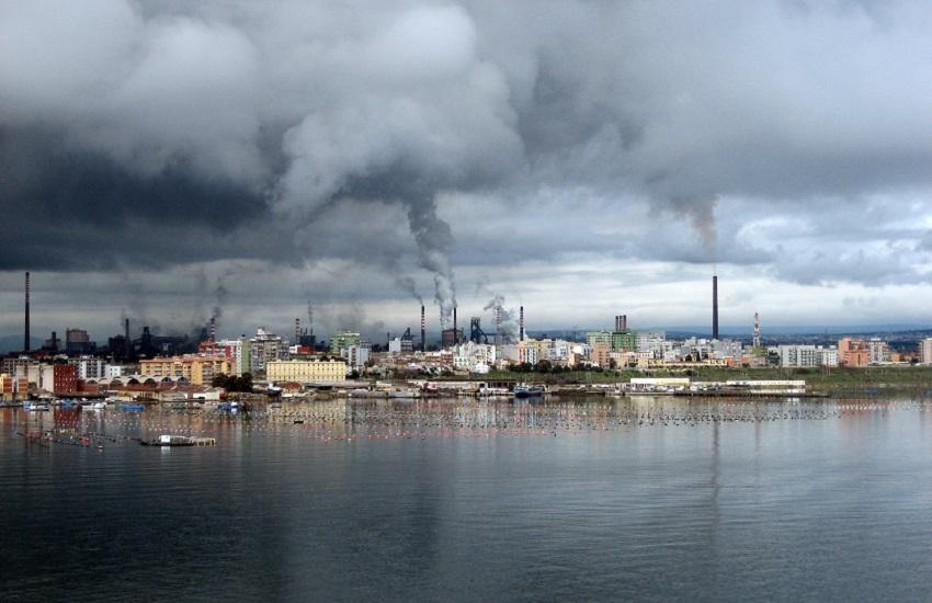 Taranto: le polveri dell'Ilva hanno invaso il quartiere Tamburi