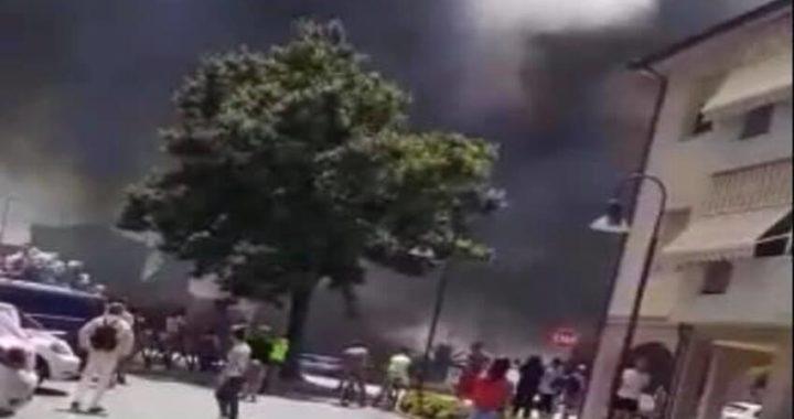 Incendio in un capannone a Venturina Terme