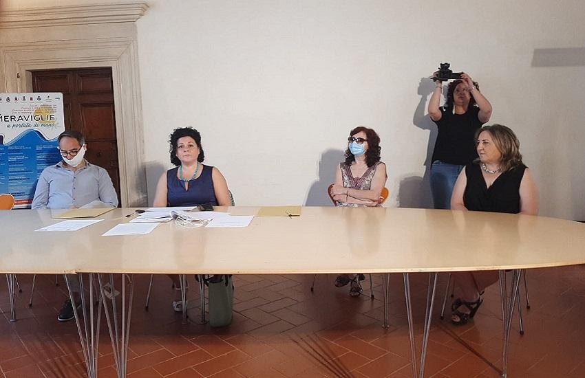 Presentato il servizio Informagiovani del Comune dell'Aquila: lo gestirà la Casa del Volontariato