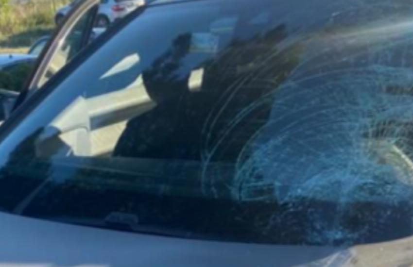 Palermo, disabile esasperata danneggia 30 vetture perché le impediscono di continuo l'accesso