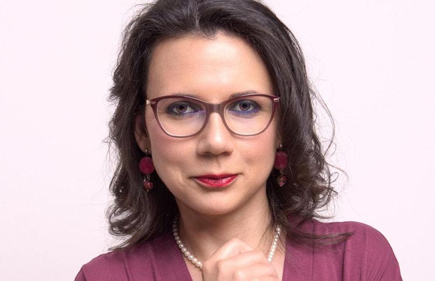 """La giornalista Sarah Donzuso si cimenta con la narrativa con una """"prima"""" che lascia senza fiato"""