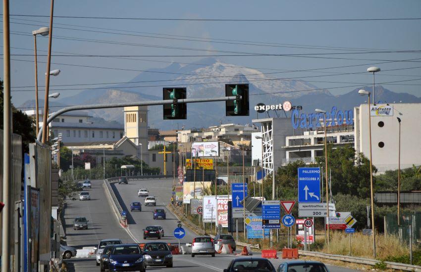 Milazzo, nuova emergenza rifiuti. Il sindaco Formica accusa il governo Musumeci