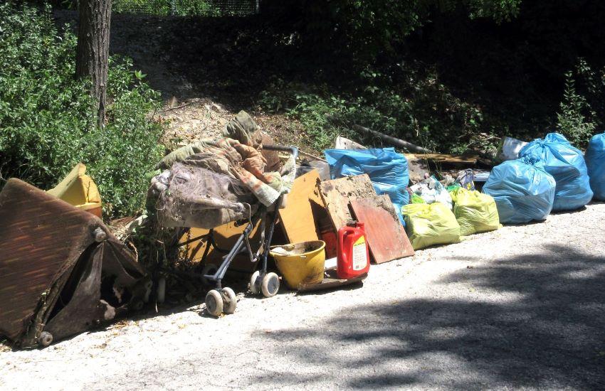 Venti20diNovità, i ragazzi ripuliscono le città dai rifiuti