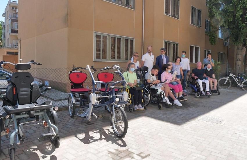 Biciclette per disabili all'UILDM di Marghera
