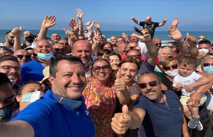 Mondragone, Matteo Salvini torna a sorpresa sul litorale
