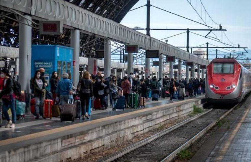 treni affollati e senza controlli