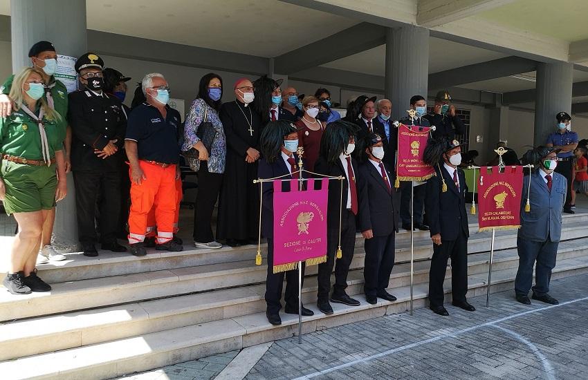 """Ariano Irpino – L'associazione bersaglieri consegna la donazione a """"Panacea"""" per il contributo offerto durante la pandemia"""