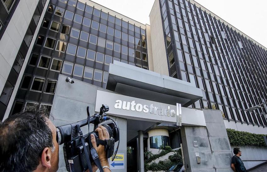 Atlantia, il negoziato al rush finale: esclusiva a Cdp per cedere l'88% di Aspi