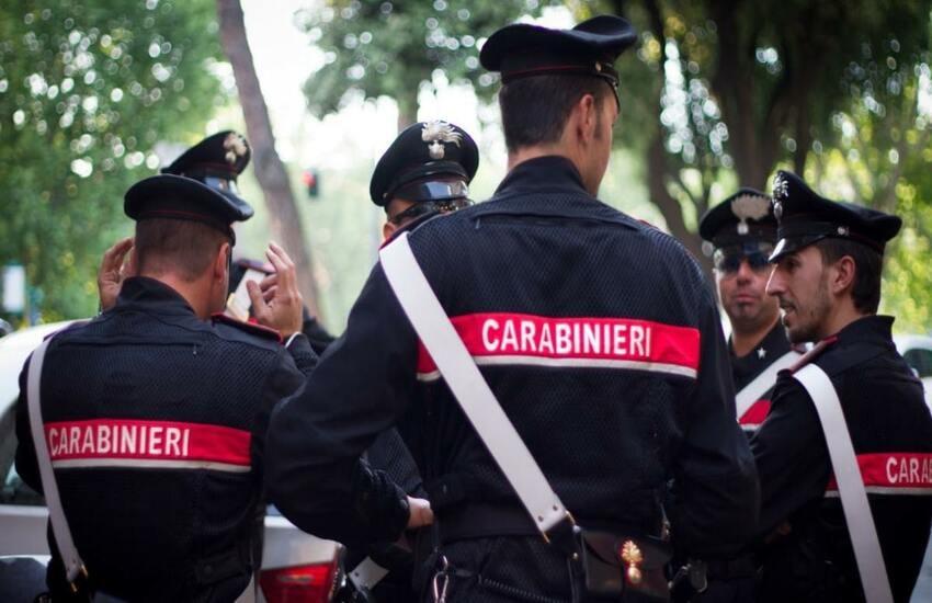 Arrestato giovane di Carmignano per percosse ad una ragazza: tradito dall'anello che portava all'anulare