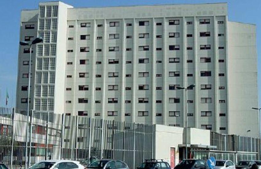 Parma – Due secondini aggrediti da un detenuto in carcere