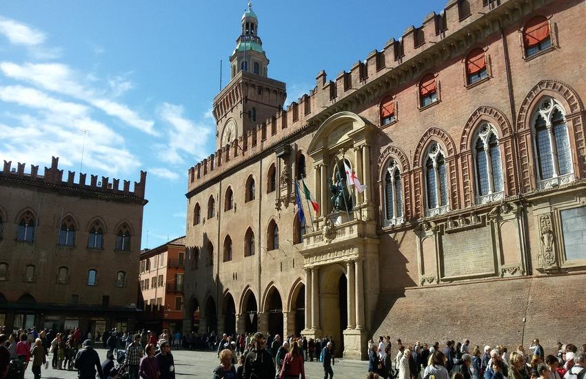 Consiglio comunale Bologna: piano sosta nei quartieri