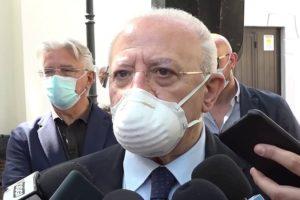 """De Luca annuncia: """"Campania in lockdown da venerdì. Si chiude tutto dalle 23"""""""