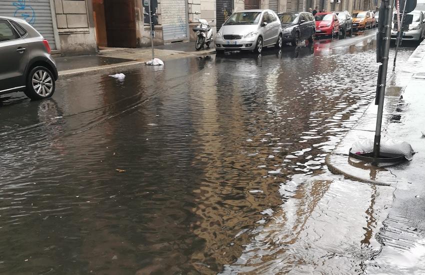 Maltempo: Diluvio su Milano, esonda il Seveso, danni e disagi ovunque
