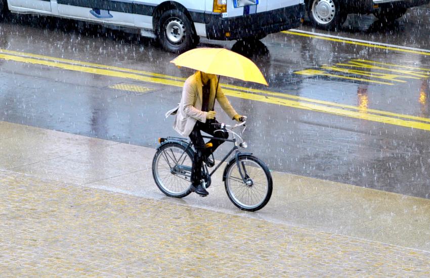 Maltempo, allerta gialla per rischio temporali, monitorati Seveso e Lambro