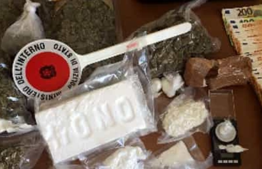 Padova, spaccio di droga nella notte e aggressione agli agenti: arrestati due 18enni