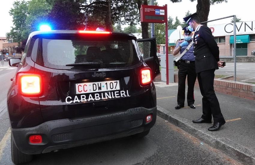 Fugge dai domiciliari, ma il coinquilino lo segnala ai Carabinieri: fermato