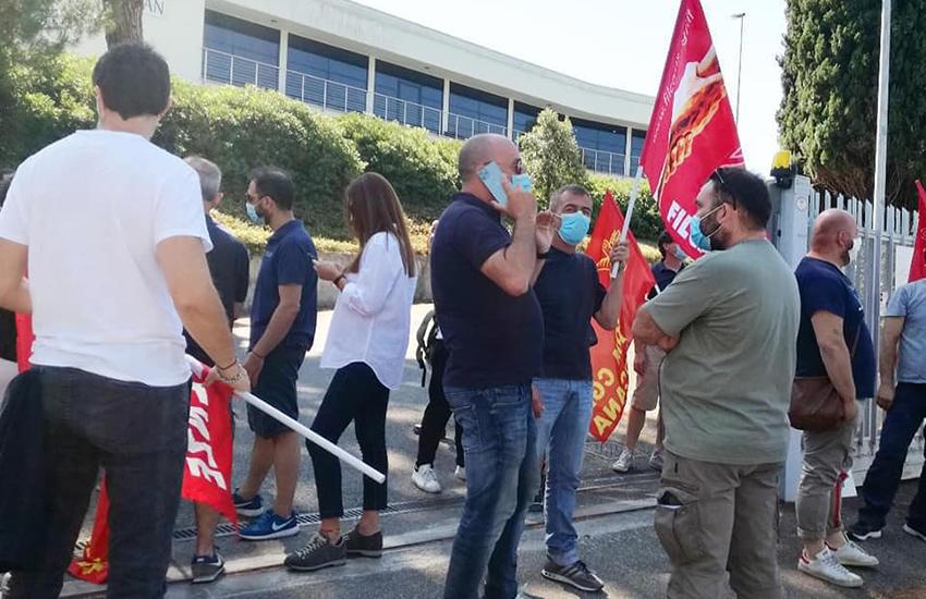 Busta con proiettile al segretario della Fiom, Massimo Braccini. La solidarietà politica e istituzionale