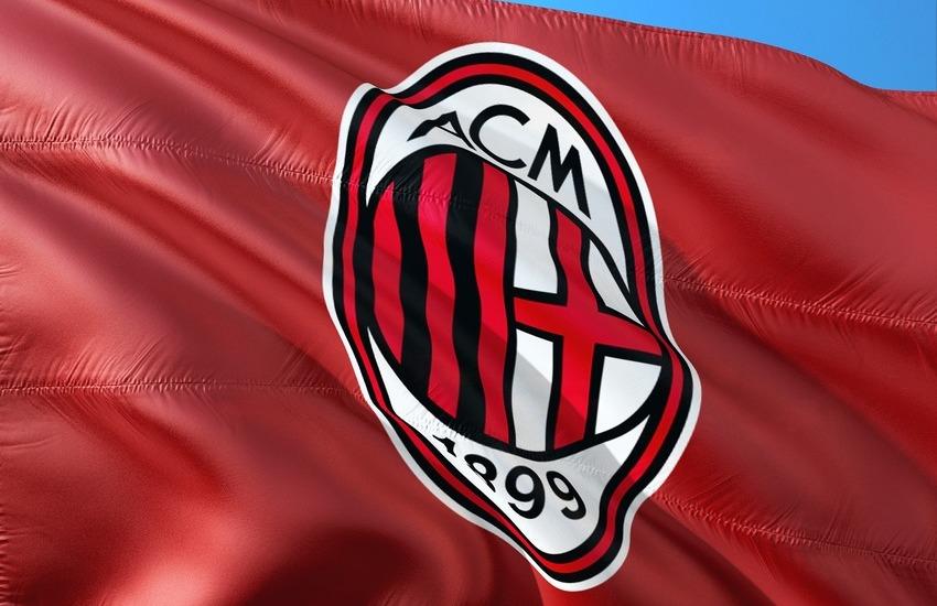 Milan rinnova con Emirates, su maglie per altri 3 anni
