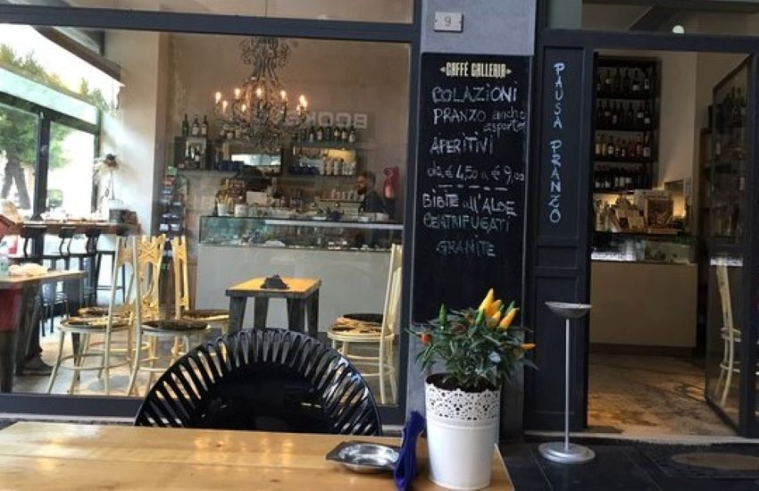 Civitanova, Caffè Galleria compie 15 anni
