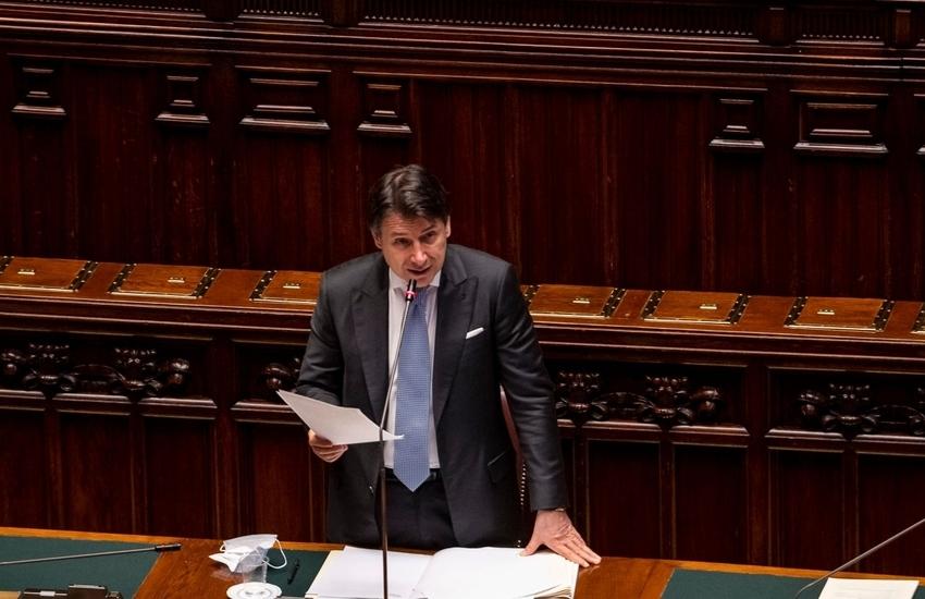 """Conte alla Camera: """"Sugli aiuti Ue decisione entro luglio, niente compromessi al ribasso"""""""