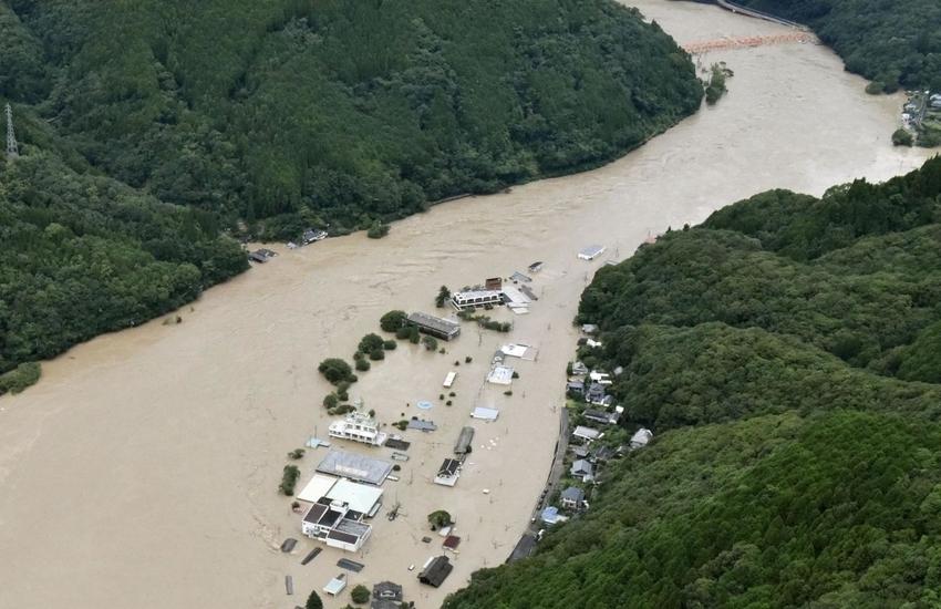 Frana montagna in Giappone, una vittima e cinque dispersi