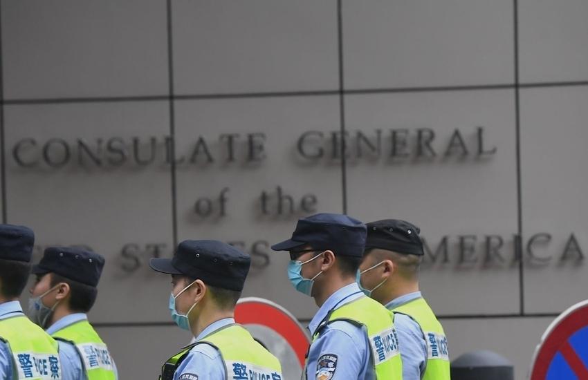 Tensioni tra Usa e Cina: Pechino chiude il consolato di Chengdu