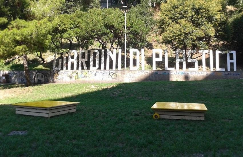 giardini di plastica