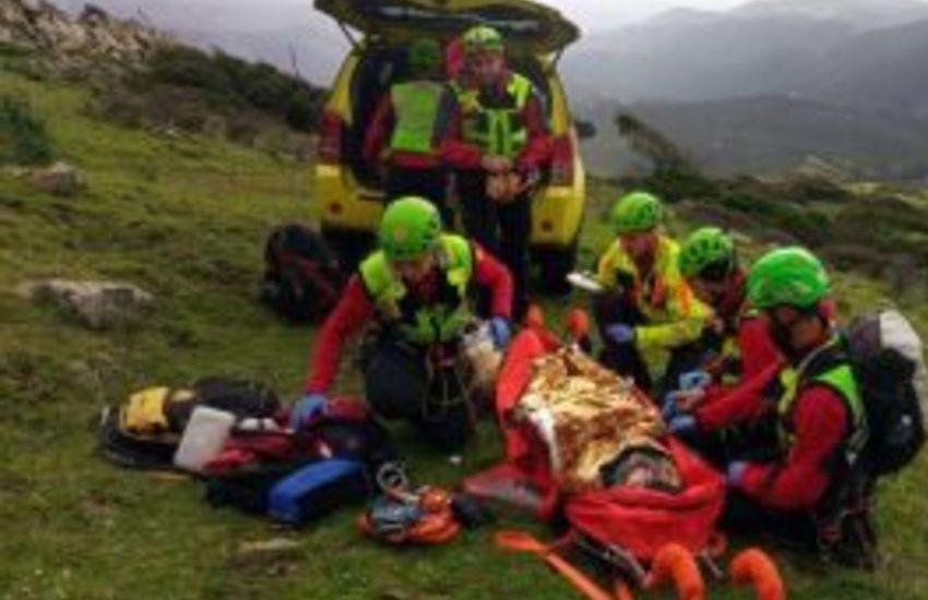 Abano Terme,escursionista scivolata sul sentiero: ferita non grave