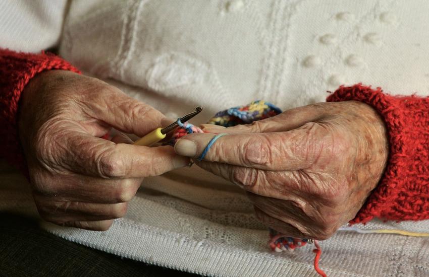 """""""Lo so che non sono solo"""": progetto pilota per anziani soli a Verona"""