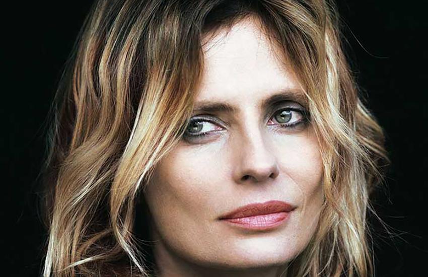 Isabella Ferrari fa rivivere il mito di Fedra al Teatro Romano