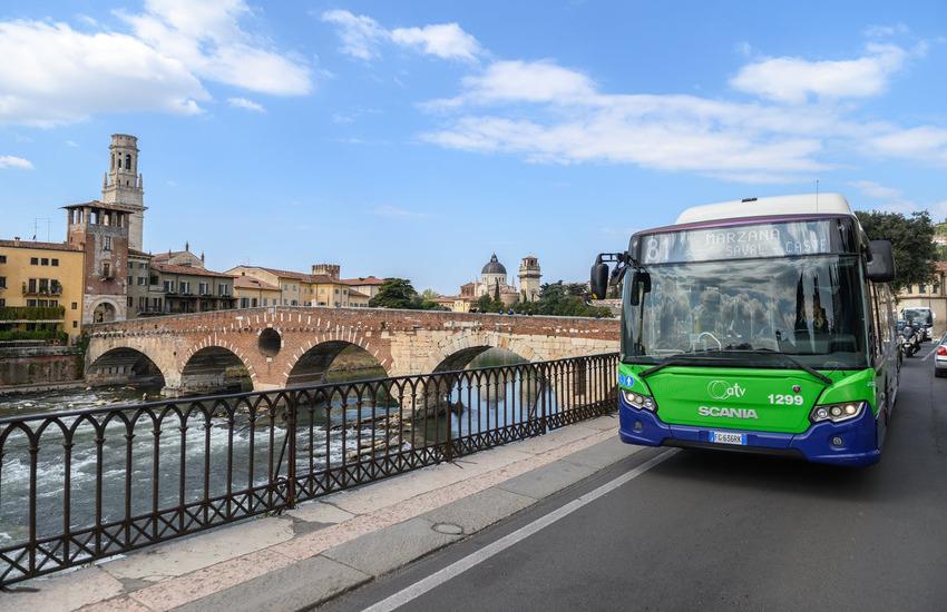 Traffico a Verona, il 61% sceglie l'auto. Zanotto: necessarie piste ciclabili.