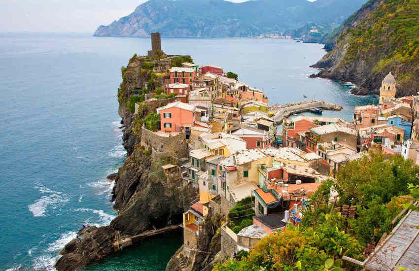 Liguria, Cinque terre Walking Park, tra natura,  percorsi escursionistici al Parco delle Cinque Terre e musica nel Golfo dei Poeti:  Lerici Music Festival
