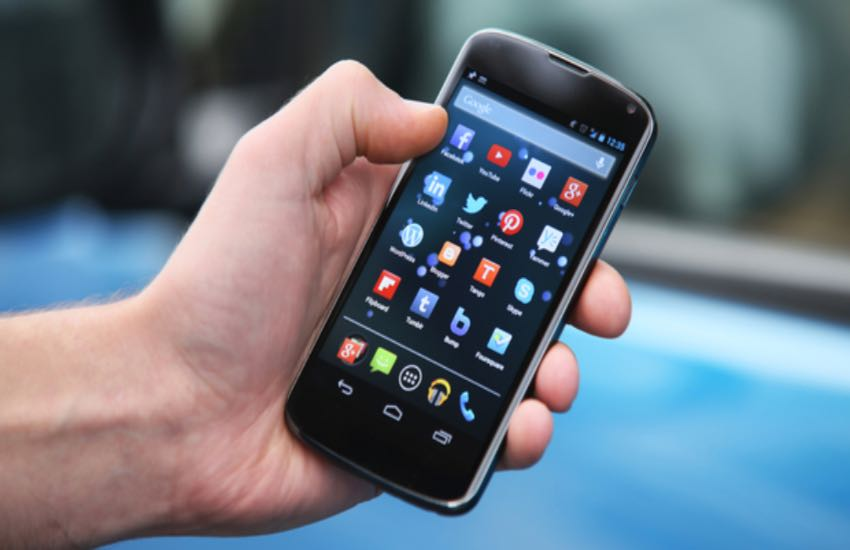 Vende un telefono online, ma la copia del bonifico era falsa. Nuova truffa telematica nel Salento