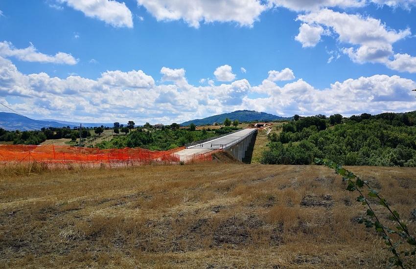 La Regione sollecita le imprese per il completamento della Lioni-Grottaminarda