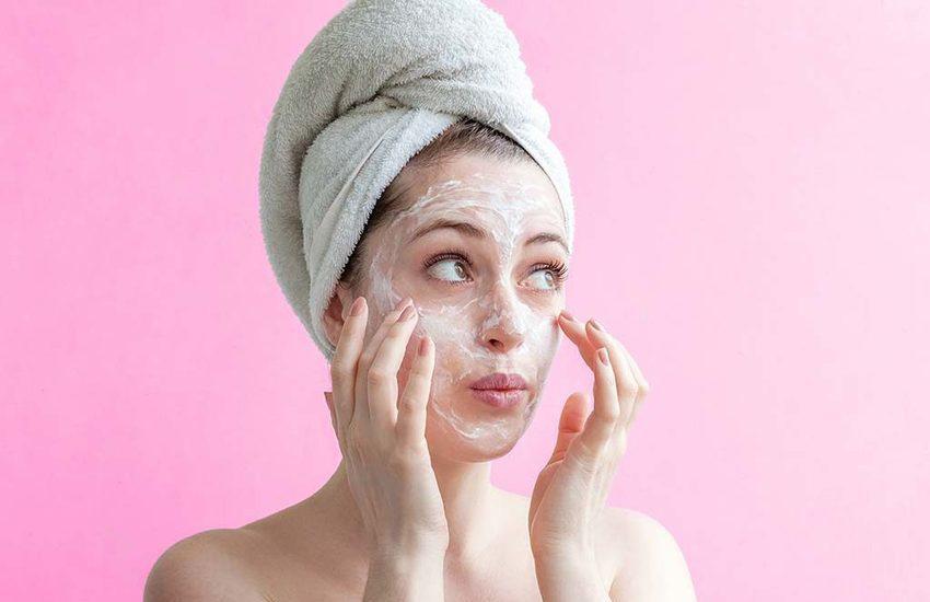 Rimedi naturali di bellezza, una maschera per ogni pelle