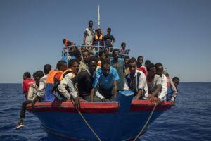 Reggio, i 60 migranti giunti nel pomeriggio trasferiti al Palloncino