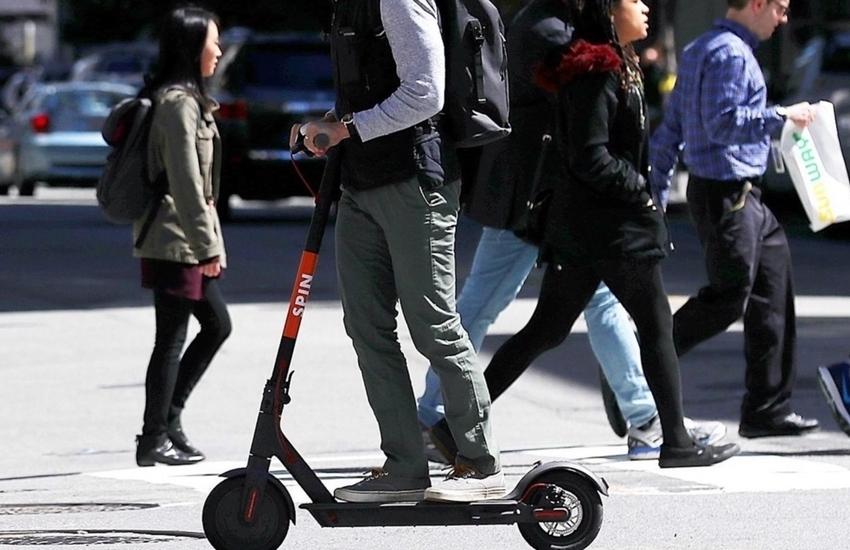 Giro di vite per monopattini e bici: 500 multe dall'inizio dell'anno