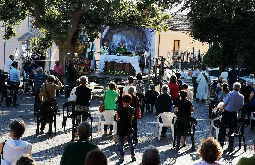 Montemiletto – L'arcivescovo di Benevento, Accrocca, ha chiuso i festeggiamenti in onore di sant'Anna