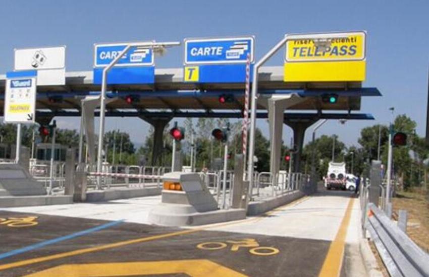 Autostrade: Atlantia pronta a ridurre le sue quote sotto il 50% e la nuova proposta al governo