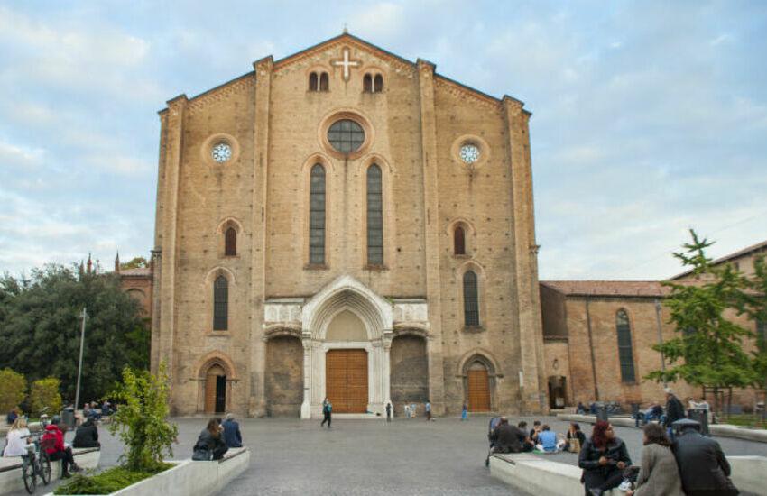 Piazza San Francesco Bologna: prorogata l'ordinanza