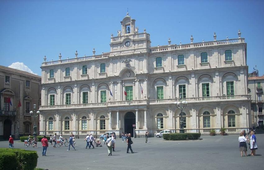 Università di Catania, no tax area sale a 20mila euro, nuova formula per abbonamenti ai mezzi pubblici per gli studenti