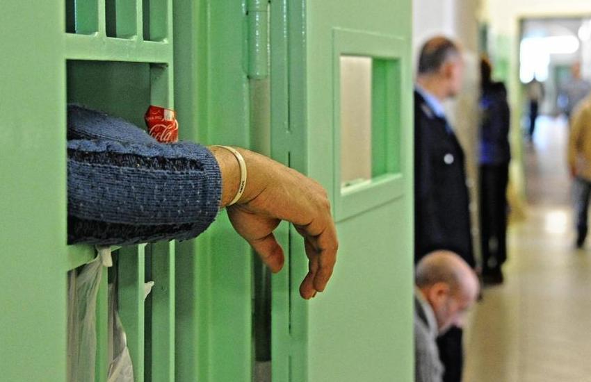Padova, ennesima aggressione ad agente penitenziario: 5 giorni di prognosi