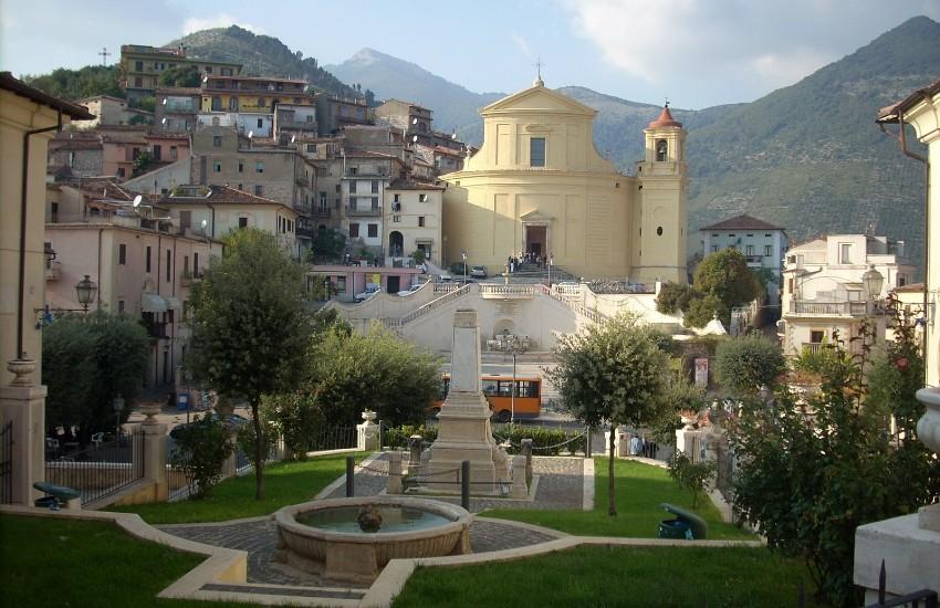 Roccagorga, il sindaco chiude bar e ristoranti