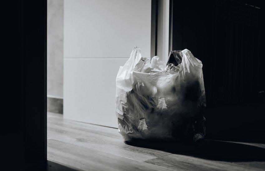 Bologna centro storico: chiarimenti su distribuzione sacchi per raccolta rifiuti