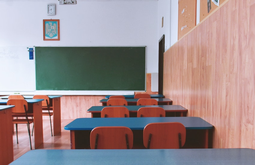Bologna e Castel Maggiore: nuovi casi COVID-19 nelle scuole