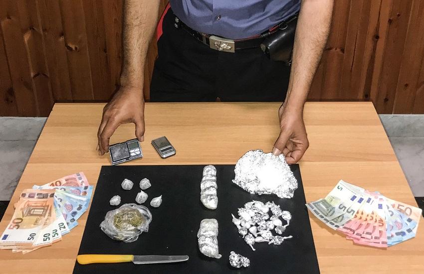 """Torre Annunziata – Operazione """"Alto impatto"""" dei carabinieri: 5 arresti per droga"""