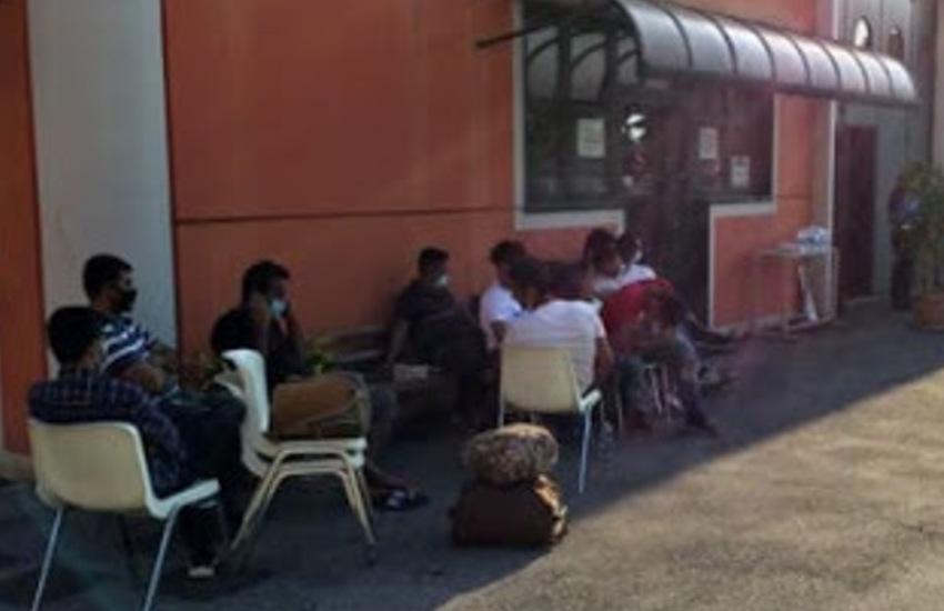 Padova, 15 stranieri abbandonati sulla strada: deciderà il prefetto