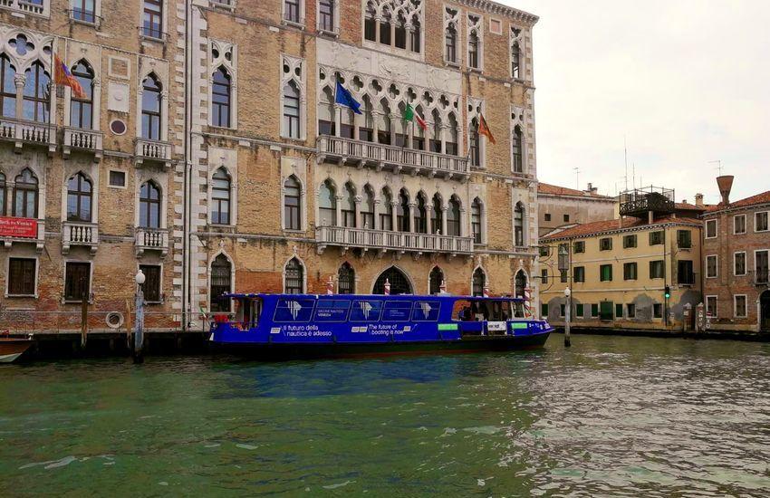 Mobilità green: A Venezia 69 vaporetti ibridi