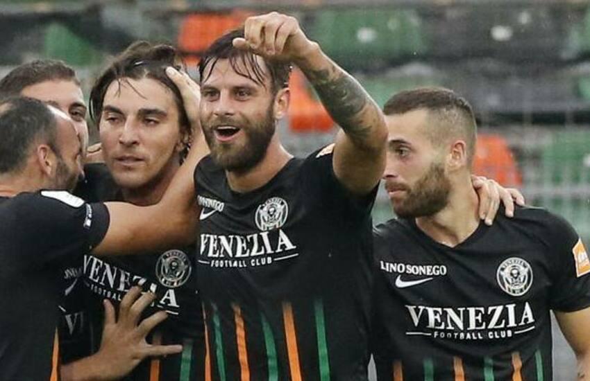 Venezia Calcio, amara sconfitta nel derby a tempo scaduto: rischio play-out